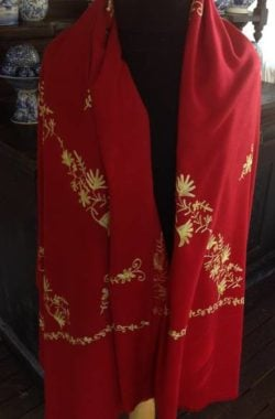 Large red shawl in Kashmire fine wool with yellow silk embroidery